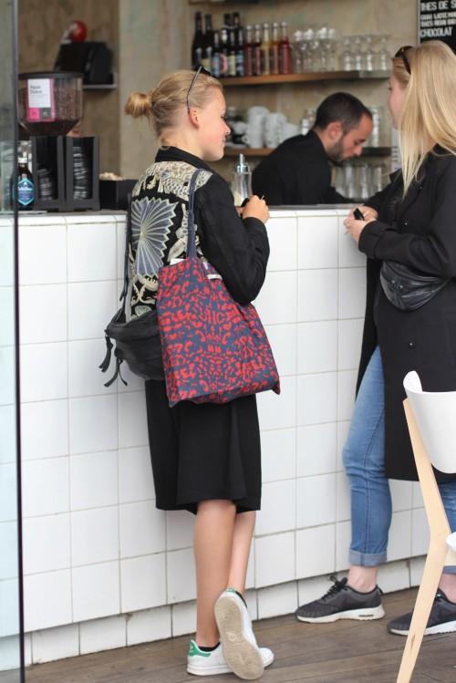 Street style coutume cafe paris aliasolivia h m jacket parisian